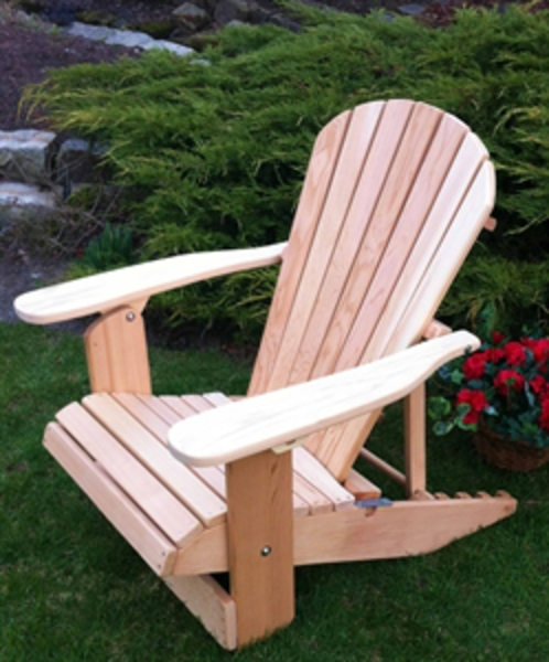Chaise adirondack mfg corp earth brown resin patio chair for Chaise adirondack rona